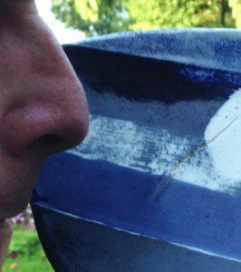 nose sniffing ceramic